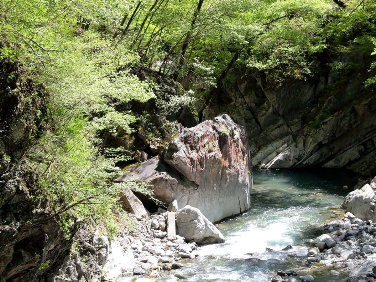 奥秩父の大滝・中津峡(秩父市)